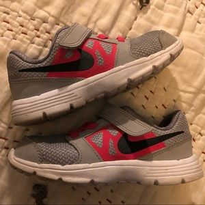 NIKE toddler girl shoes
